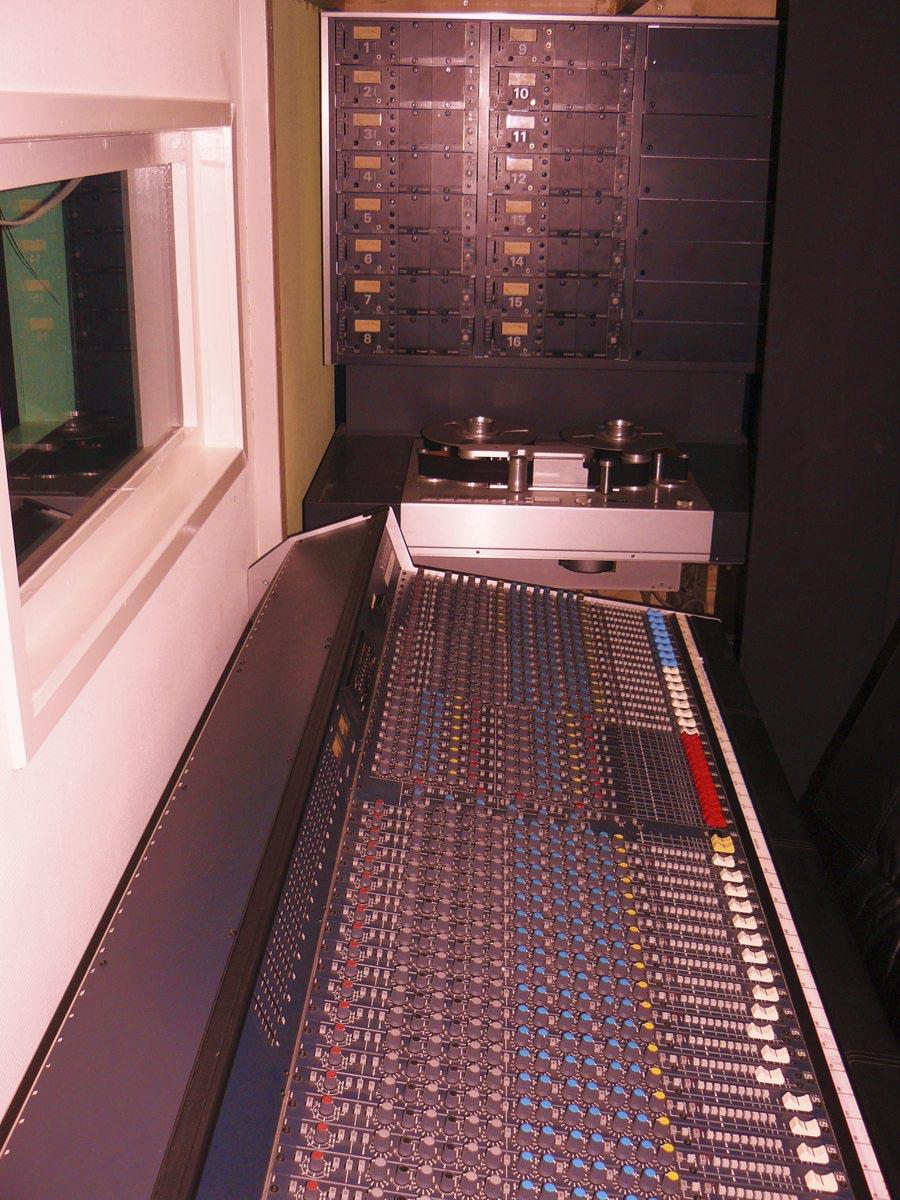 control-900-px